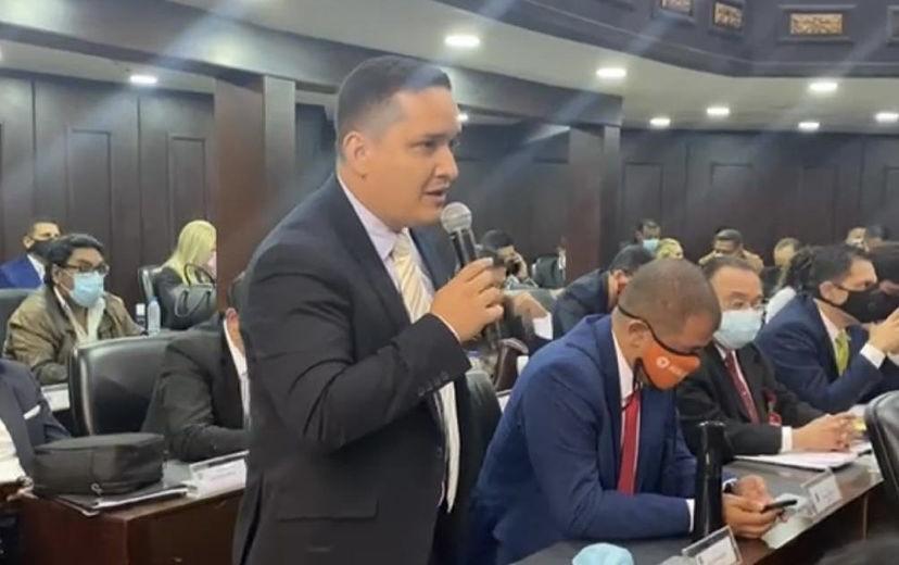 Diputado Alexander Golindano rechaza ley del parlamento comunal por ir en contra de la Constitución