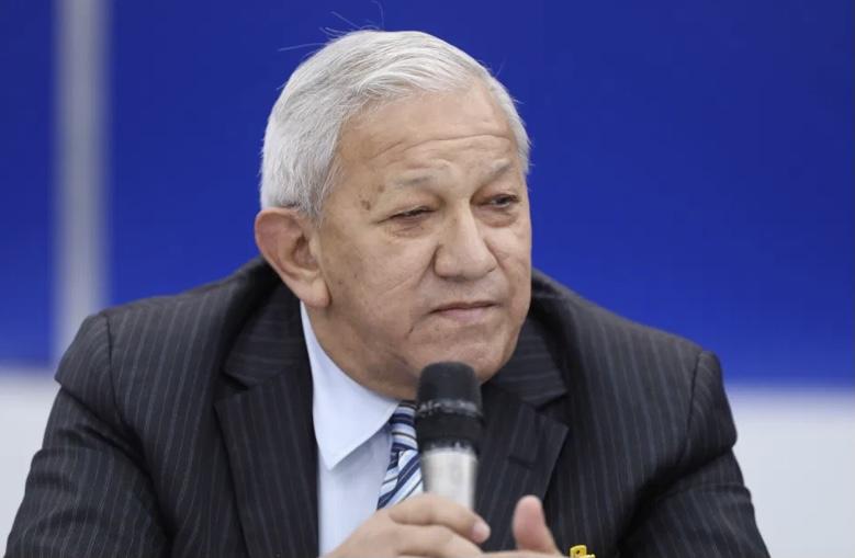 """Bernabé Gutiérrez: """"la economía del país no podrá recuperarse mientras haya odio y extremismo entre ambas partes"""""""